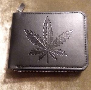 Wallet leaf design with zipper